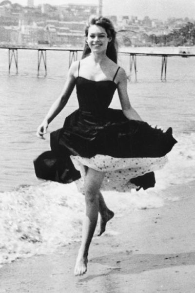 Black and white photo of Brigitte Bardot from 1956